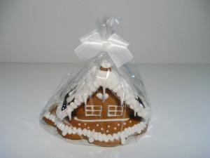 Malý domeček z perníků, zdobený