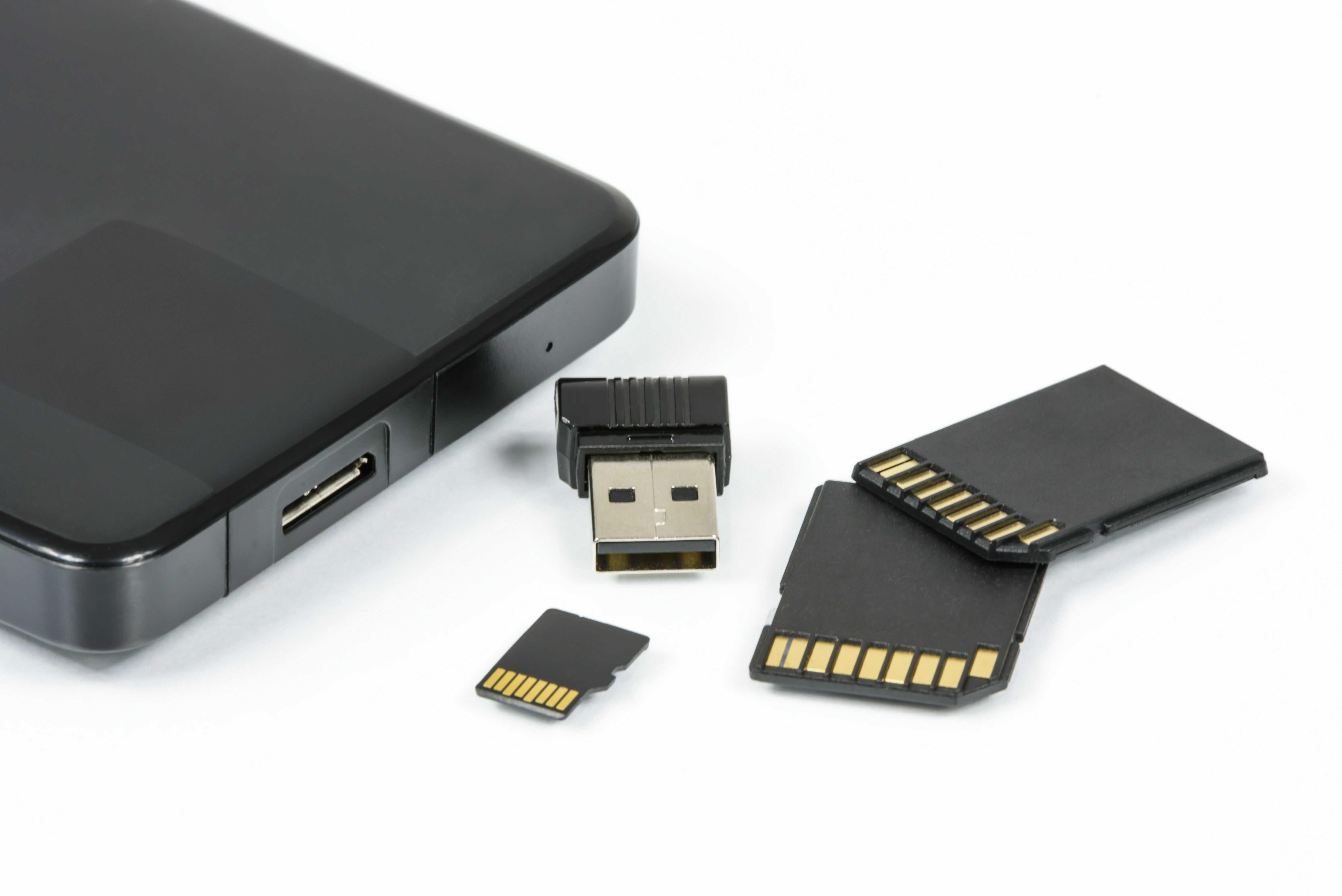 Jaké jsou dnes výhody a nevýhody cloudu a USB klíče?